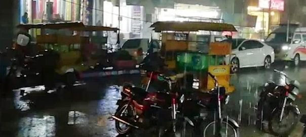 لاہور، اسلام آباد ، راولپنڈی ، پنجاب ، شہروں ، رات ، بارش