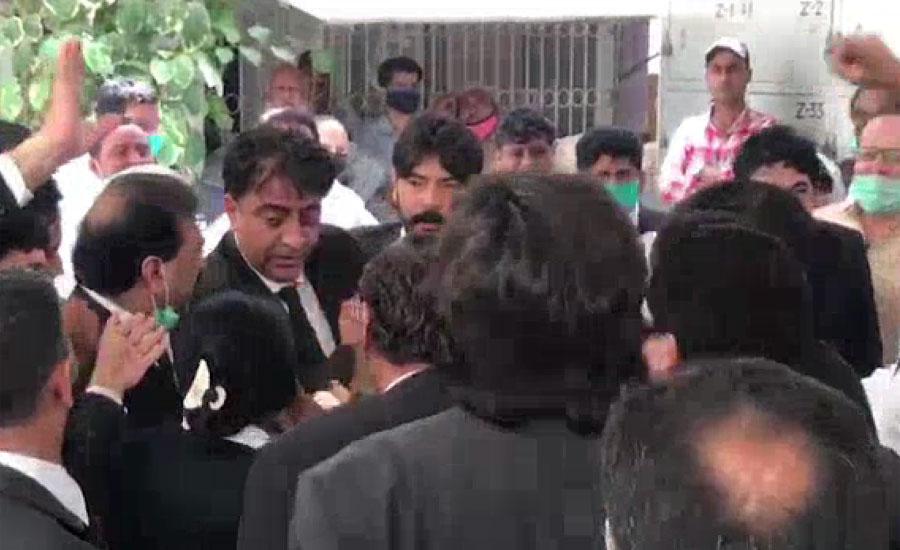 وکلا کو ریلیف دینے سے متعلق کراچی بار کی جنرل باڈی کا اجلاس ہنگامہ آرائی کی نذر