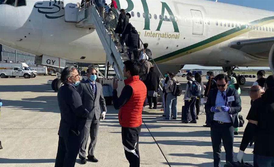 پی آئی اے کی امریکا سے پہلی امدادی پرواز 179 مسافروں کو لیکر اسلام آباد پہنچ گئی
