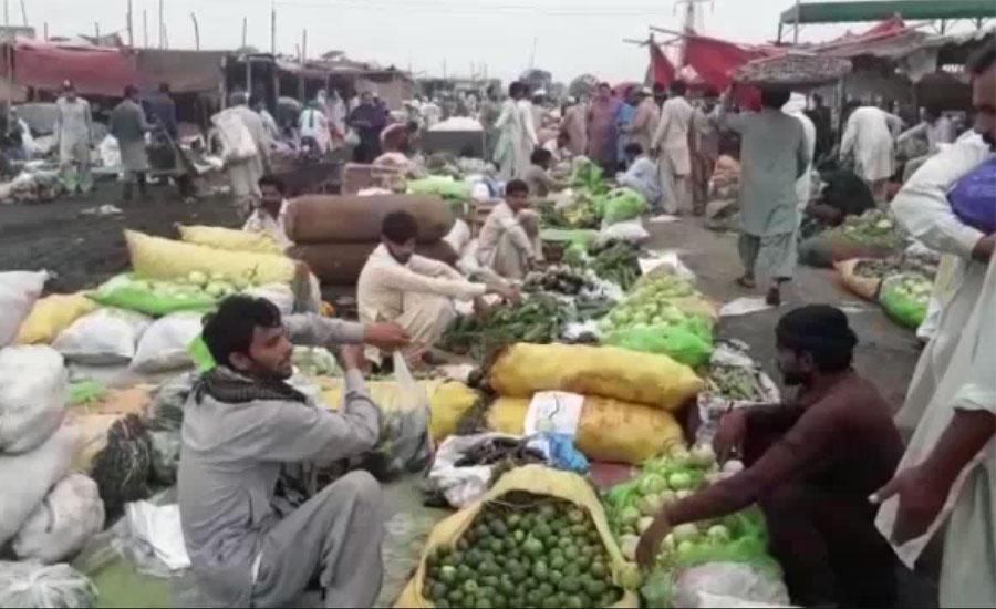 سبزی اور فروٹ منڈیوں میں بلا کا رش، حفاظتی انتظامات نہ ہونے کے برابر
