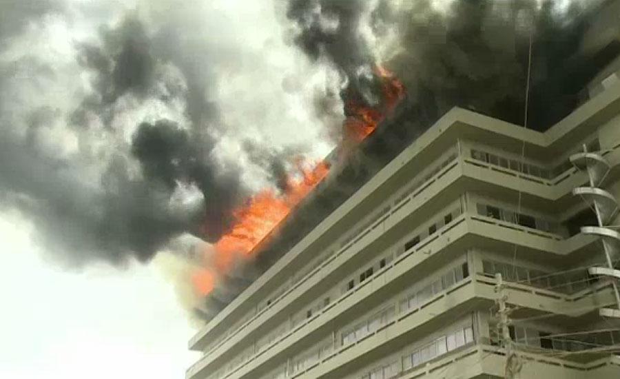 کراچی کے علاقے سائٹ ایریا میں واقع گارمنٹس فیکٹری میں آگ بھڑک اٹھی