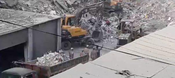 کراچی ، لیاری ، منہدم عمارت ، ملبے ، شخص ، لاش ، نکال