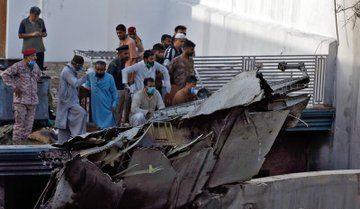 کپتان اور ایئر ٹریفک کنٹرولر کراچی طیارہ حادثے کے ذمہ دار قرار