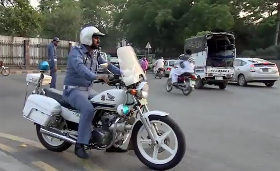 لاہور میں بغیر ماسک ڈرائیونگ پر چالان کرنے کا اعلان