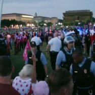 امریکا ، یوم آزادی ، وائٹ ہاؤس ، سیاہ فام کے مظاہرے ، پولیس سے جھڑپیں ، واشنگٹن ، 92 نیوز
