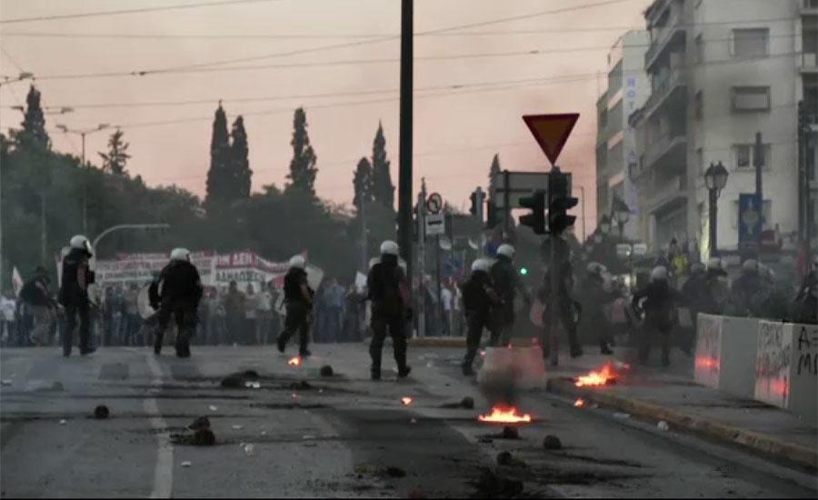 یونان میں احتجاجی مظاہروں کو روکنے کیلئے قانون سازی نے پُرتشدد احتجاج کو ہوا دے دی