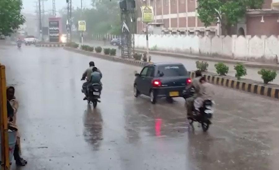 اندرون سندھ کے مختلف شہروں میں بارش، موسم خوشگوار