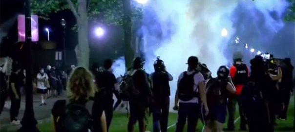 امریکی ، شہر ، کینوشا ، پولیس گردی ، تیسرے روز ، پُر تشدد ، مظاہرے