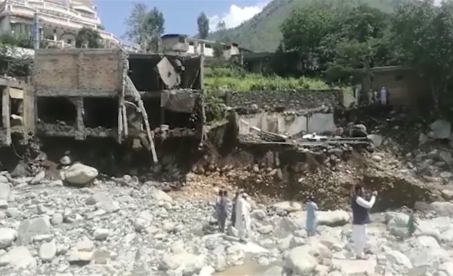 بارش اور سیلابی ریلوں نے خیبرپختونخوا میں بھی تباہی مچا دی، 21 جاں بحق