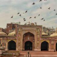 پروفیشنل فوٹوگرافی ، ویڈیوشوٹنگ کی آڑ ، مسجد وزیر خان ، تقدس پامال ، لاہور ، 92 نیوز