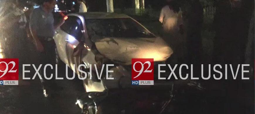 اسلام آباد میں سرکاری گاڑی جی اے بی 262 کی ٹکر سے تین موٹر سائیکل سوار زخمی