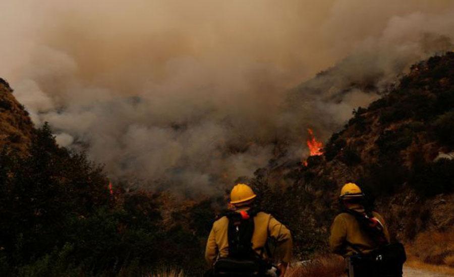 امریکا، جنگلات میں لگی آگ پر قابو نہ پایا جا سکا،حادثات میں ہلاکتیں 33 ہوگئیں