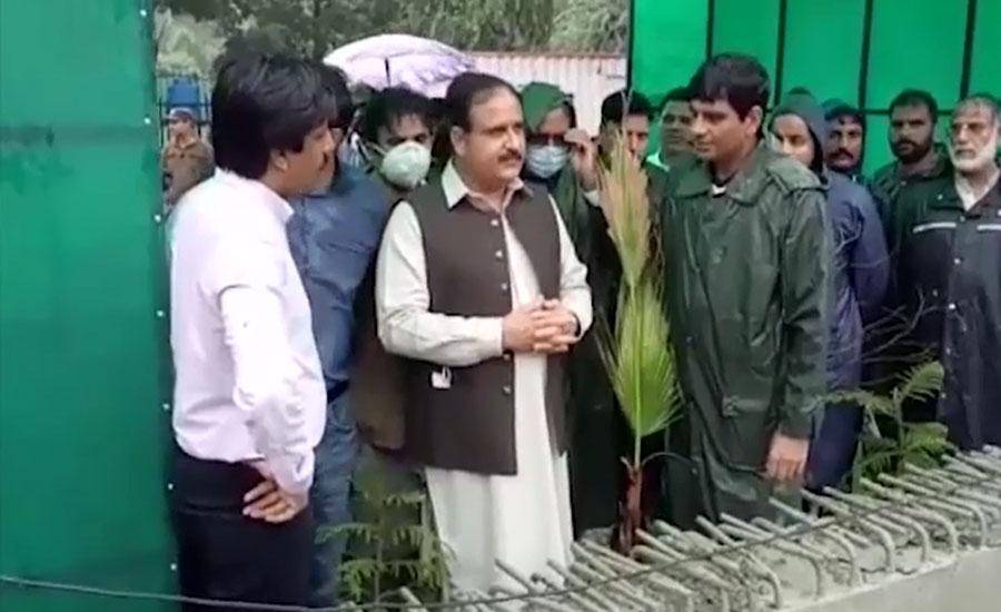 وزیراعلیٰ بزدار کا بغیر پروٹوکول لاہور میں بارش زدہ علاقوں کا جائزہ