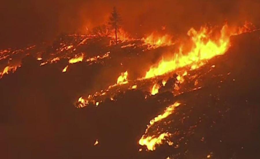 کیلیفورنیا کے جنگلات میں لگی آگ نے کی تباہی نے تاریخ رقم کر دی