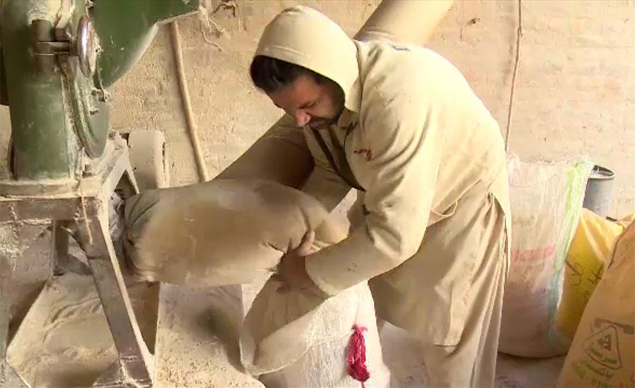 لاہور میں چکی کا آٹا مزید دو روپے کلو مہنگا