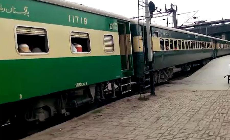 لاہور ڈویژن کے 15 ٹرین ڈرائیوروں کے کنٹریکٹ میں توسیع