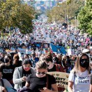 ٹرمپ ، سپریم کورٹ جج نامزدگی ، امریکا بھر ، ہزاروں خواتین کا مارچ ، واشنگٹن ، 92 نیوز