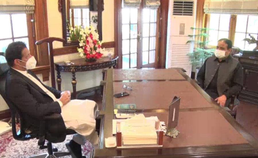 وزیراعظم کا لاہور کا دورہ ، مہنگائی کنٹرول کرنے کیلئے اقدامات پر بریفنگ لی