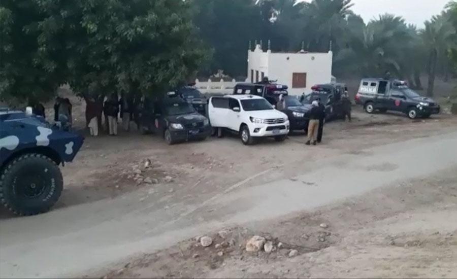 لاڑکانہ اور خیرپور پولیس کا مشترکہ مقابلہ، 6 ڈاکو ہلاک، اسلحہ برآمد