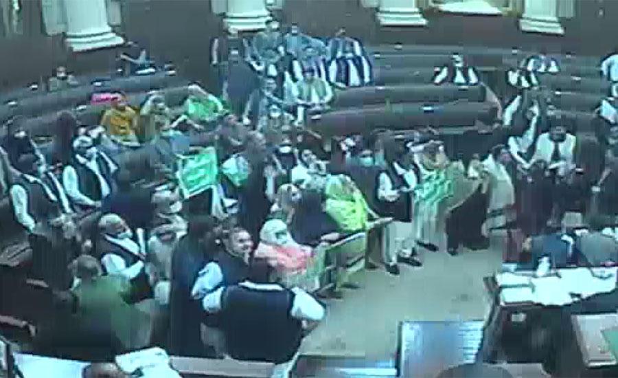 پنجاب اسمبلی کا اجلاس مسلسل دوسرے روز ہنگامہ آرائی کی نذر ہو گیا