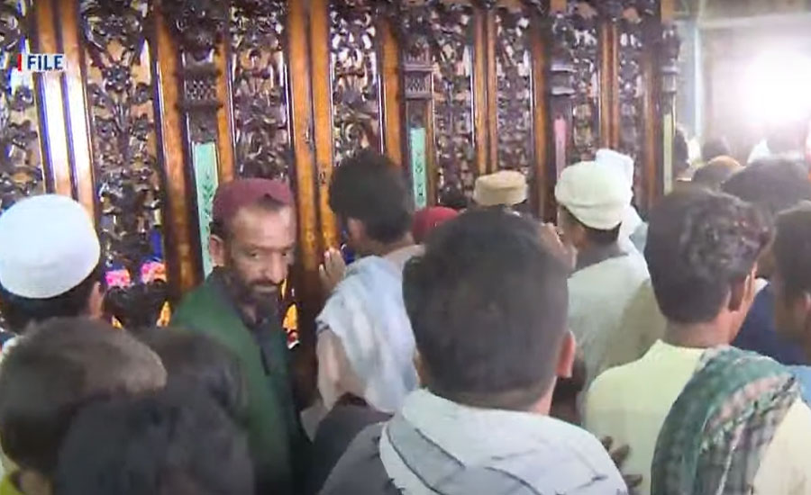 کورونا کیسز میں کمی، پنجاب بھر میں وقف 544 مزارات زائرین کیلئے کھول دیئے گئے