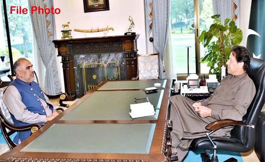 وزیراعظم عمران خان سے اسد قیصر کی ملاقات ، ایوان میں پیش آنے والے ناخوشگوار واقعہ کے حوالے سے آگاہ کیا
