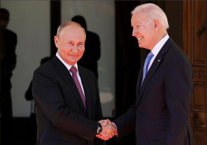 امریکا اور روس کے صدور کی ملاقات ، بےدخل کیے گئے سفارت کاروں کو واپس بھیجنے پر رضا مندی
