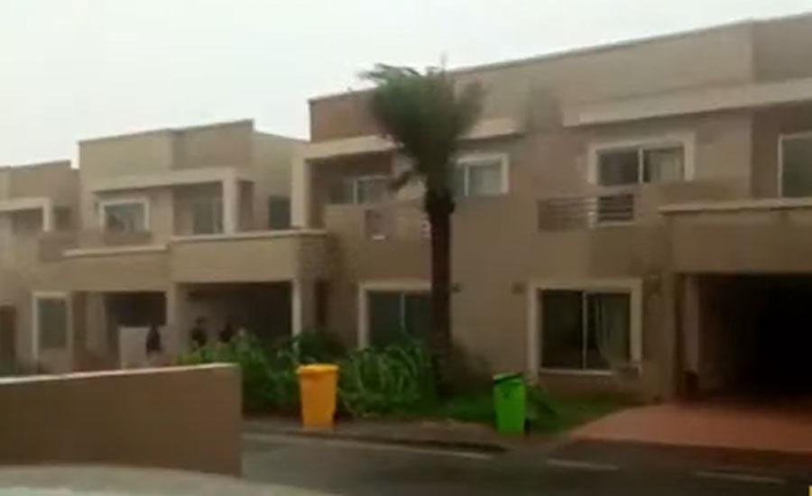 کراچی میں کہیں ہلکی کہیں تیز بارش، موسم خوشگوار ہوگیا